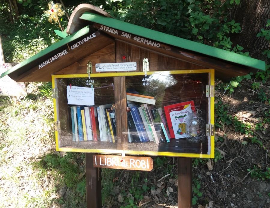 Associazione Strada San Germano Little Free Library